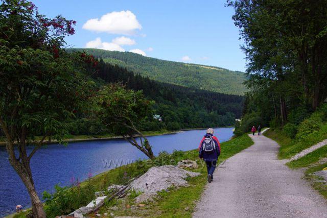 Kolem přehrady do Špindlu