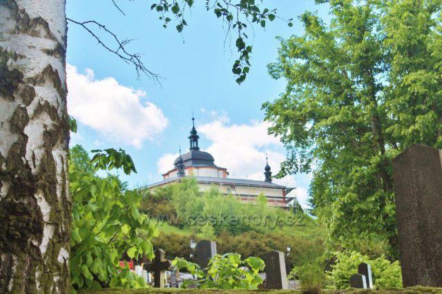 Letohrad - pohled od hřbitova ke kapli sv.Jana Nepomuckého