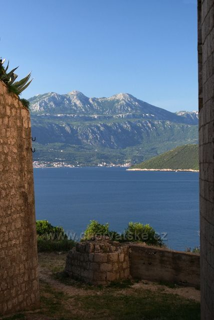 Oštra - pohled na Boku Kotorskou
