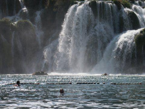 vodopády KRKA zblízka