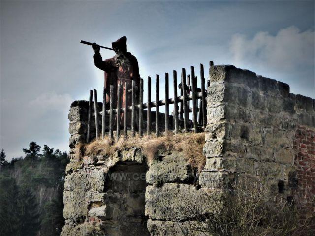 Poustevník - skalní hrad Sloup