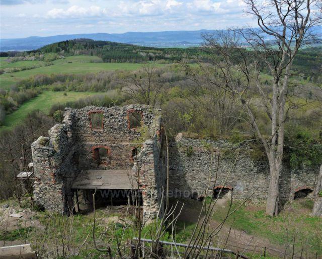Výhled ze zříceniny hradu Andělská hora