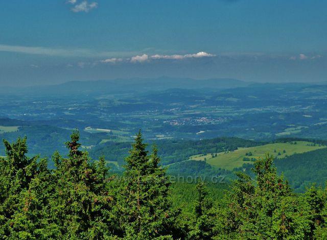 Pohled z rozhledny Vrchmezí