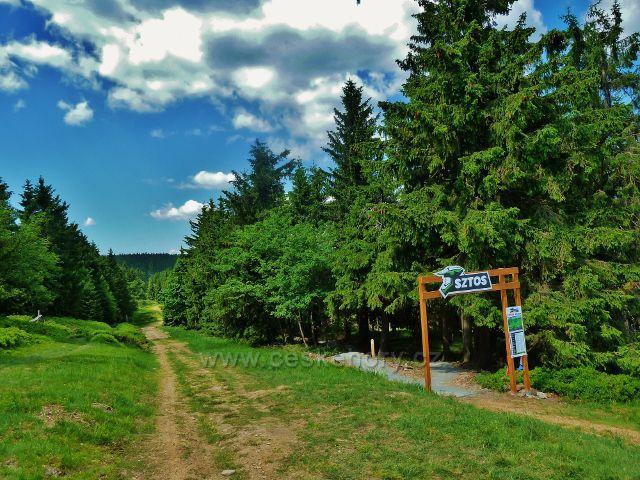 Hraniční cesta po úbočí Šerlichu nad Zielencem