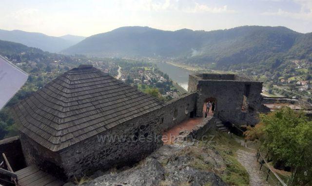 na hradě Střekov
