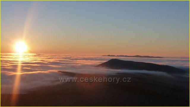 Svítání na vrcholu Boubína