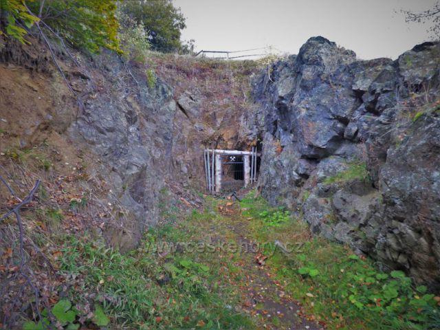 Vrch Mědník - bývalé štoly