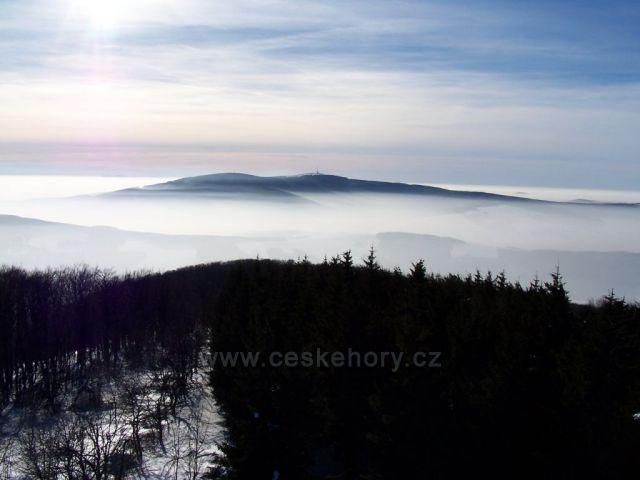Velká Javořina uvěznená v oblacích