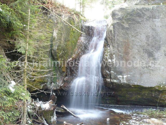 Vodopád v Bukových skalách