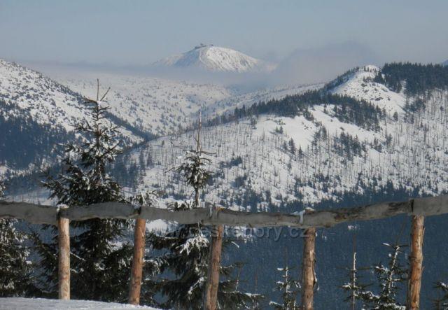 Pohled na Sněžku z Medvědína
