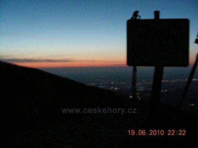 Západ,pohled od hranice do Polska.