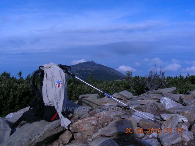 Odpočinek,pohled z cesty na Svorovu horu.