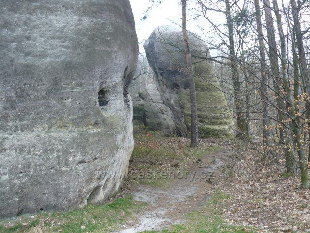 Bílé (Sloní) kameny