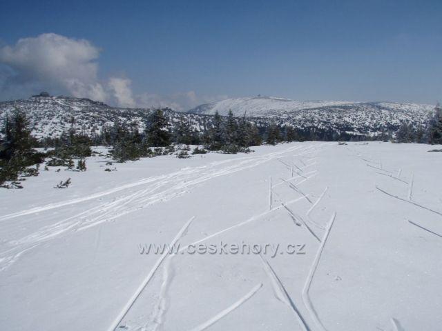 Pohled na Szrenicu a Sněžné jámy