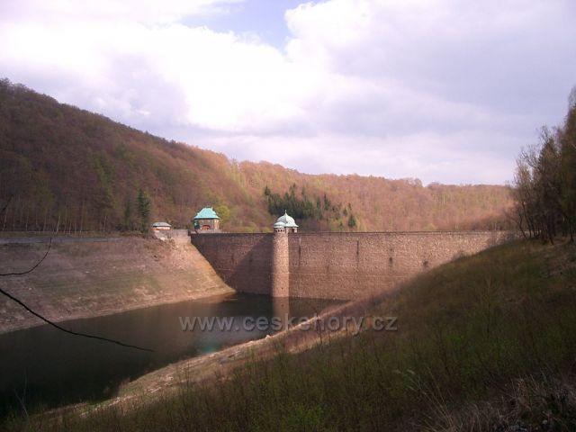 přehrada Janov