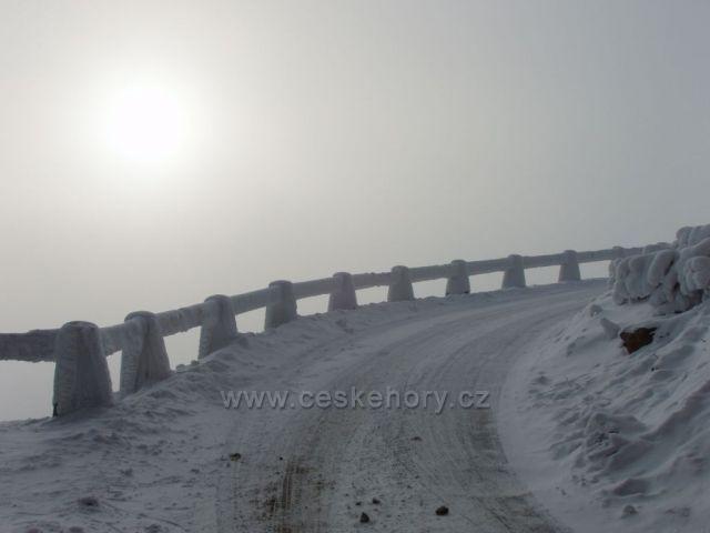 Silnice na Ještěd v zimě