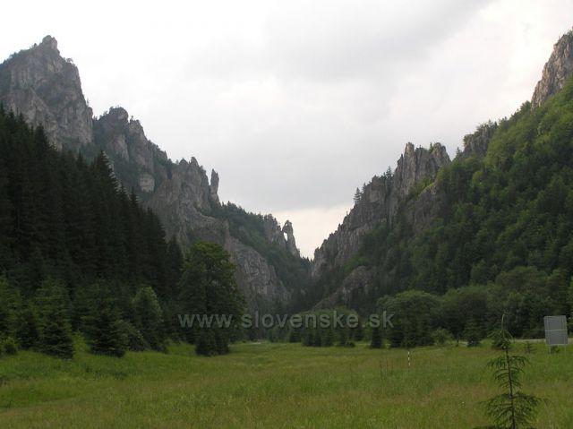 Modliaci sa mních - Vrátna dolina