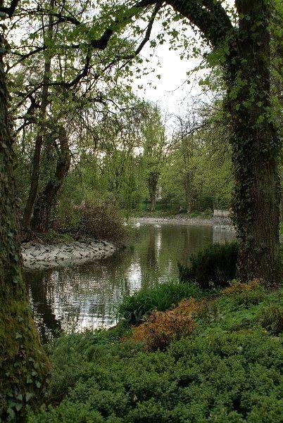 Rajecké Teplice - svieža zeleň v parku