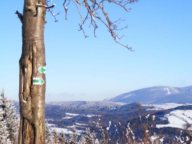 Pohled na Paprsek z Hynčického kopce