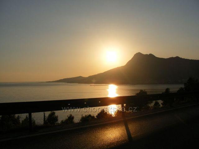 západ slunce nad Omiší