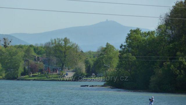 pohled na Lysou  horu od těrlicke přehrady