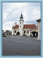 Kostel na náměstí v Heřmanově Městci